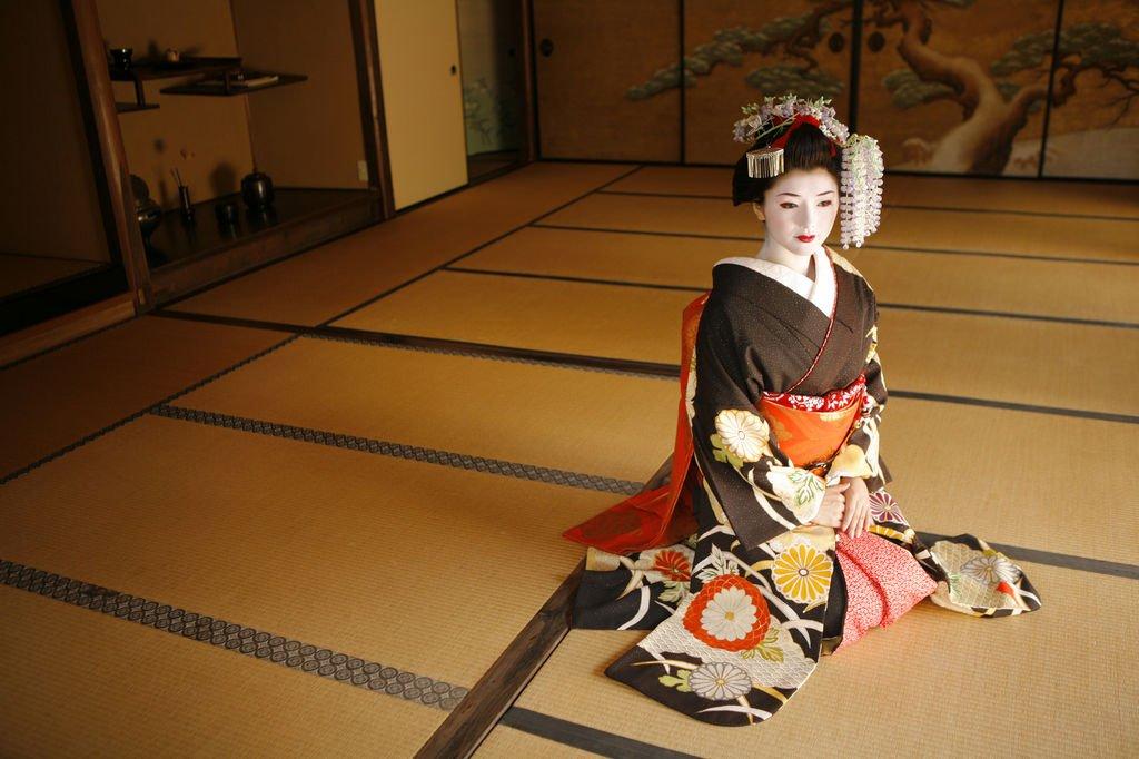 Японская школа гейш в России. Школа обольщения мужчин