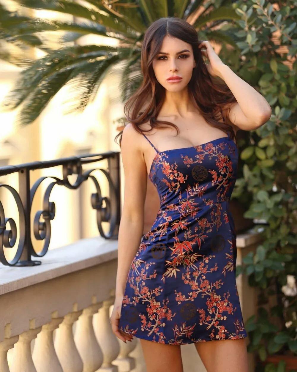 Покупка платьев оптом и в розницу