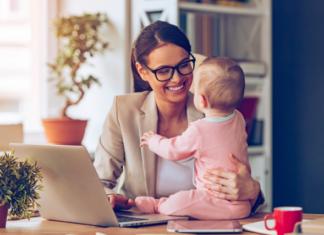 10 идей как заработать маме в декрете