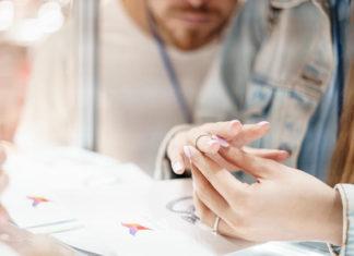 Шикарные свадебные кольца от ювелирной фирмы ZBIRD