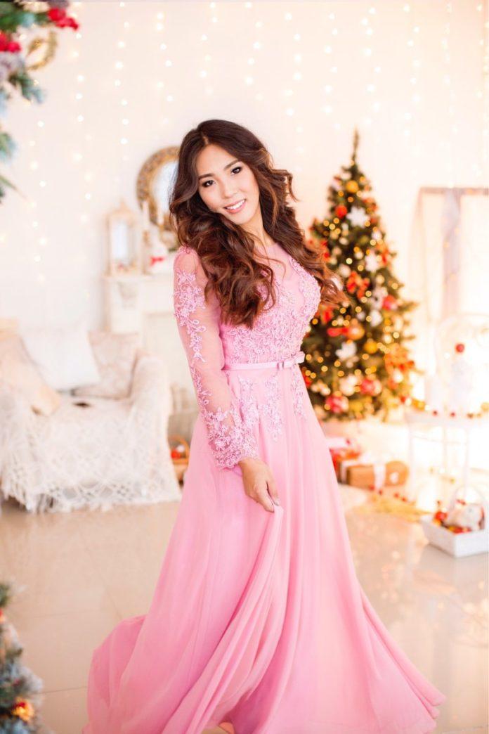 Купить вечерние платья оптом в Якутске