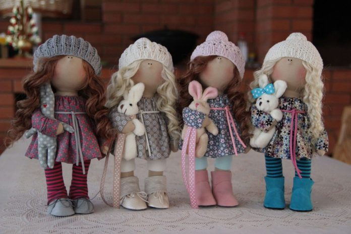 Виды материалов для пошива интерьерных кукол