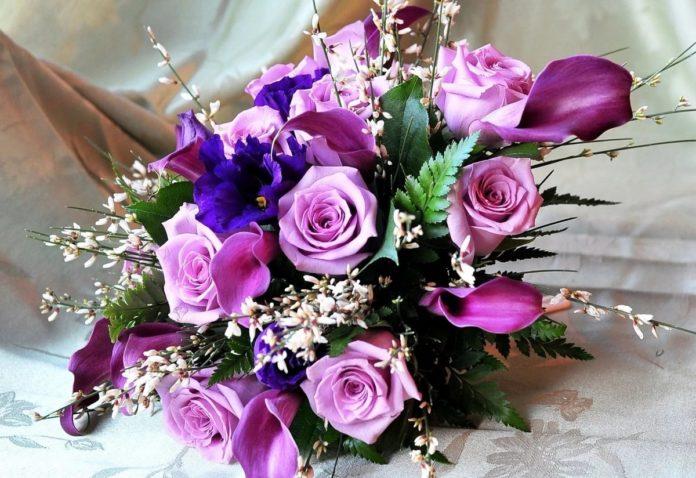 Прекрасный выбор цветочных букетов оптом и в розницу