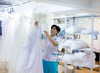 Свадьба – самый желанный и прекрасный момент в жизни каждого человека. А свадебное платье для девушек – один из непременных атрибутов и символов счастливой семейной жизни с избранником.
