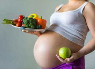 Как должны питаться беременные женщины