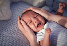 Почему новорожденный ребенок не хочет спать ночью