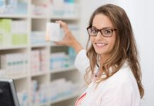 девушка аптека выбор